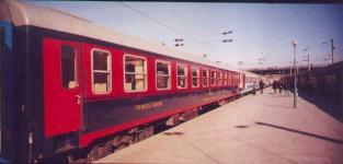 A newer black-red dining car is added to Bogaziçi Express in Haydarpasa. 2001. Photo Gökçe Aydin.