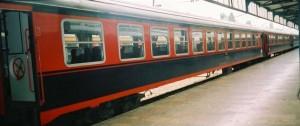 Black-red Pullman is waiting at Haydarpasa, probably in Anadolu Express. 2001. Photo Gökçe Aydin.