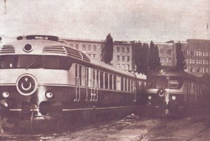 An interesting picture taken in the old Ankara depot showing a MT5200 on the left and a MT5300 on the right