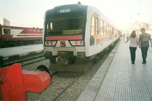 MT5713 in triple unit is ready to depart from Basmane to Söke in August 2001. These units have air conditioning, but the system is not powerfull enough to provide good comfort in summer. Photo Gökçe Aydin.