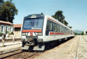 MT5727 coupled to MT5705 a local train. Selcuk and bound to Izmir. July 2001. Photo Altan Ataman