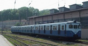E8023 at Sirkeci Station. 4 June 2001, photo Derya Ferendeci