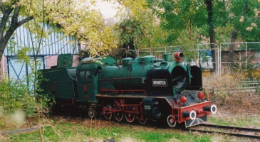 The same engine near the shed of the Gençlik Parki at Ankara. November 2003. Photo JP Charrey