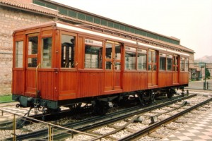 The wonderfull wood car of Tünel, the historic funicular of Istanbul. This car was taken out of service in the 1960's, after about 90 years of service! March 2005. Photo JP Charrey