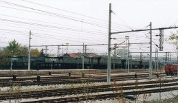 The platform, seen on the west side, opposite to the building. November 2003. Photo JP Charrey