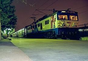 E43036 on Istanbul Express, 2-12-04, Ankara Station. Photo & copyright Graham Williams