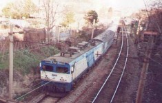 E43000 leading the Bogazici Express out of Bostanci station to Haydarpasa, march 2001. Photo Gökçe Aydin