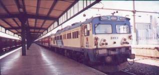 E43007 ready to depart from Haydarpasa, March 2001. Photo Gökçe Aydin