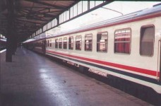 The non-TVS2000 white dining car at the platform of Haydarpasa station. 2001. Photo Gökçe Aydin.