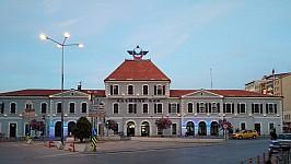 Basmane station, street side. Mai 2019. Photo P. Hudson