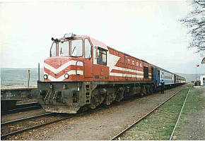 DE24000 at Atkaracalar (Zonguldak Line between Çankiri and Karabuk). 1999. Photo Malcolm Peakman