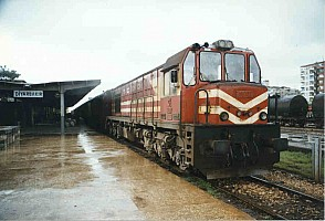 DE24122 at Diyarbakır on 22 April 1998. Photo Malcolm Peakman