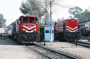 DE24180 and DE24386 at Adana station, 2 March 2006. Photo Altan Atamaan.