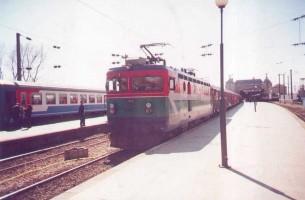 E52515 heading Adapazari Express at Haydarpasa
